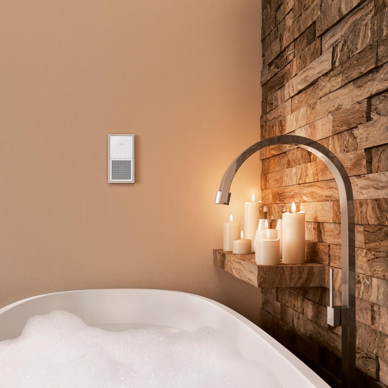 in k che wohn und esszimmer dezente wandschalter streamen musik per bluetooth bild 1. Black Bedroom Furniture Sets. Home Design Ideas