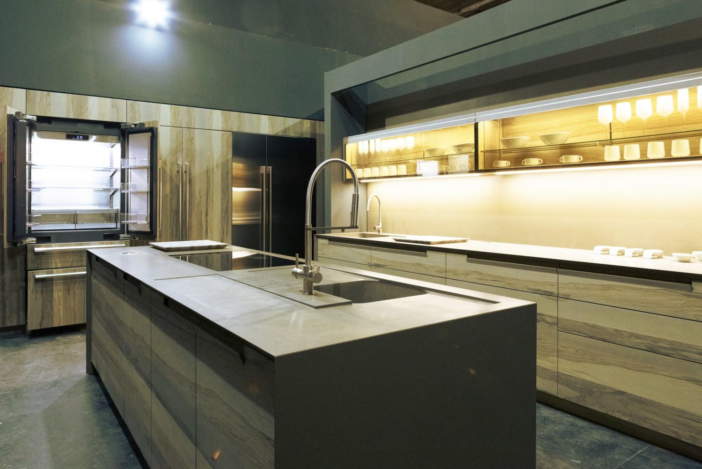 Lg stellt luxuriose kuchen neuheiten vor griffloser ofen for Küchen neuheiten