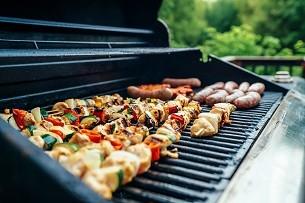 Ratgeber Sicher durch die Grillsaison: Worauf Sie beim Spiel mit Kohle und Feuer achten müssen - News, Bild 1