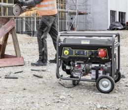 kaercher-haushaltsgeraete-mobile-stromversorgung-von-kaercher-generatoren-liefern-bis-zu-zwoelf-stunden-energie-15784.jpg