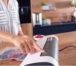 leifheit-produktvorstellung-drei-neue-vakuumier-geraete-von-leifheit-akustisches-sensor-touch-display-20513.jpg