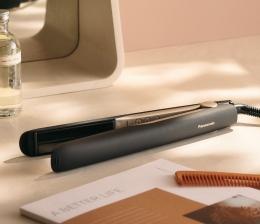 panasonic-koerperpflege-panasonic-haarglaetter-mit-temperatursensor-und-flexiblen-3d-keramikplatten-20323.jpg