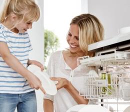 ratgeber-die-kuechenausstattung-kindgerecht-planen-sicherheit-beim-kochen-und-backen-fuer-die-ganze-familie-11888.jpg