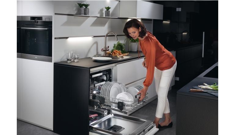 Aeg Customflex Kühlschrank : Mastery range intelligente einbaugerätelinie von aeg mit