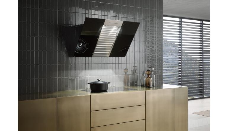 dunstabzugshaube von miele mit verst rker und lautsprechern f r stereo klang. Black Bedroom Furniture Sets. Home Design Ideas