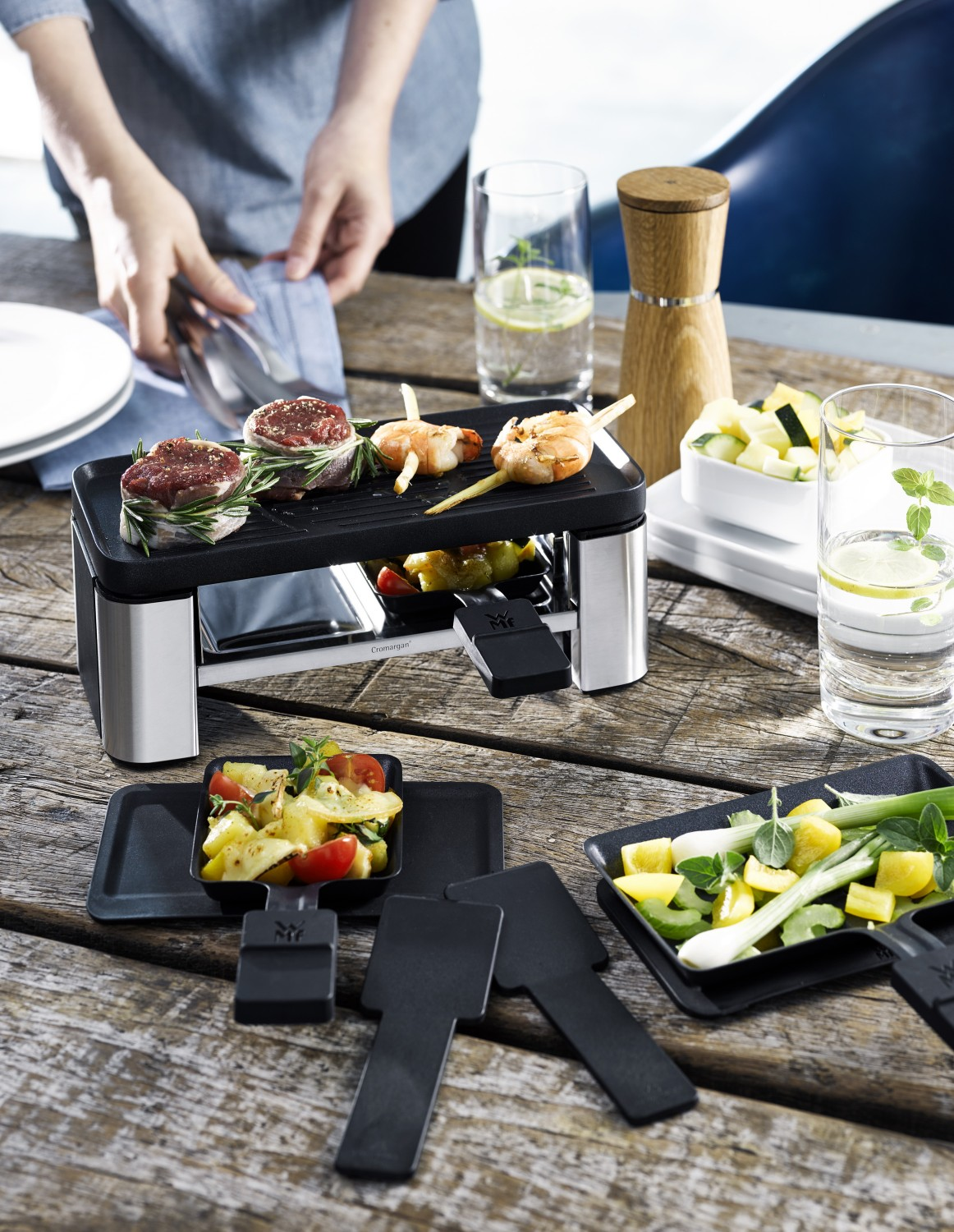 test raclette grill wmf raclette f r 2 sehr gut. Black Bedroom Furniture Sets. Home Design Ideas